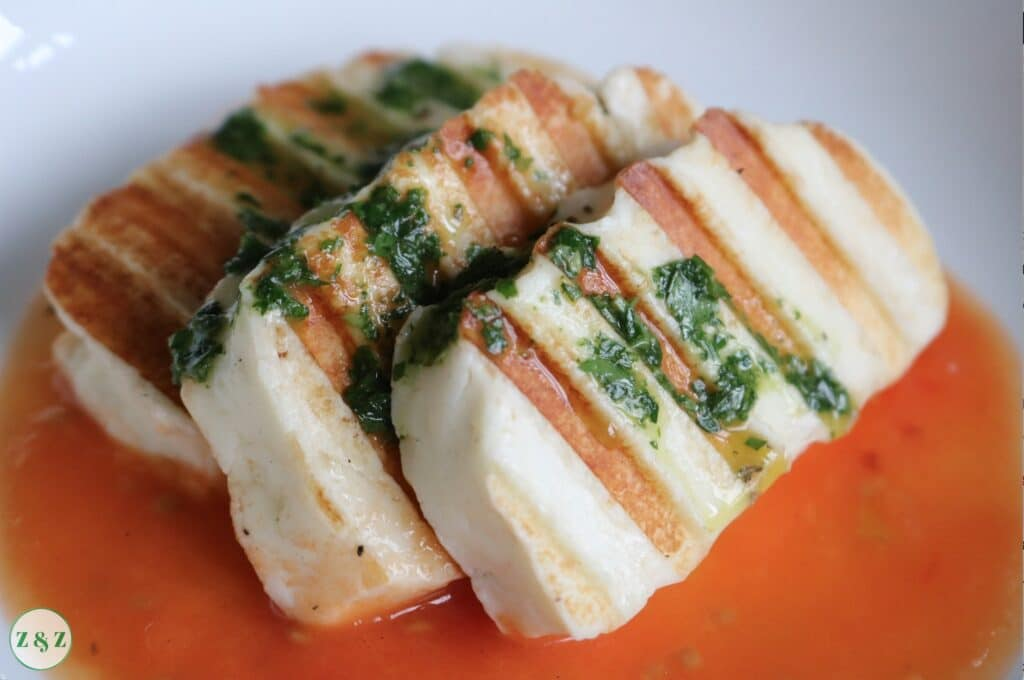 Grilled halloumi with tomato sauce