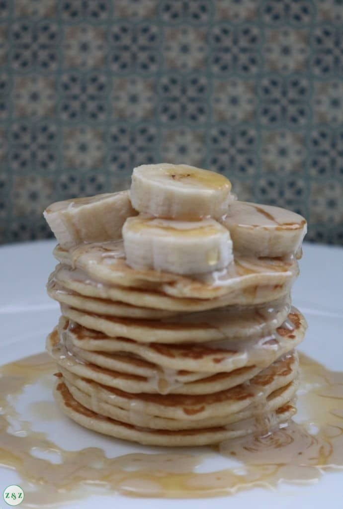 banana tahini honey pancakes