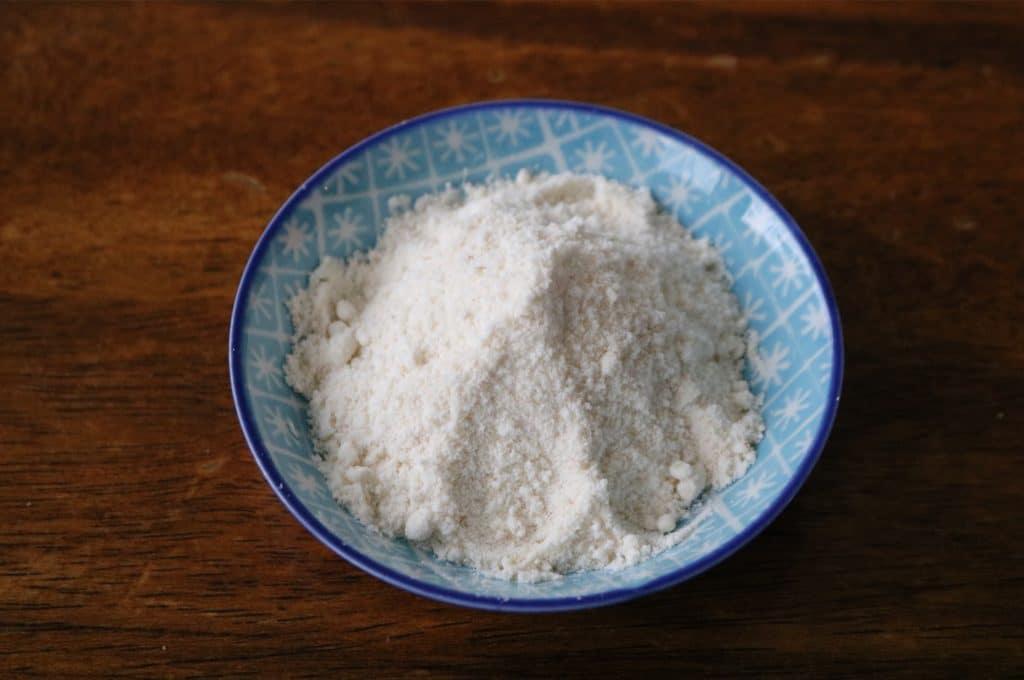 Lebanese kishik powder