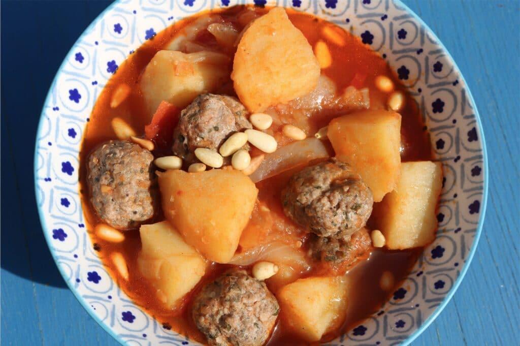 Dawwod basha lebanese meatballs